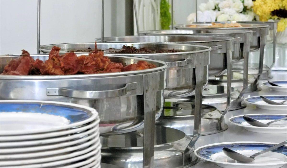 tray-hidang-yang-diberi-dalam-pakej-katering-murah-raja-briyani-_1_